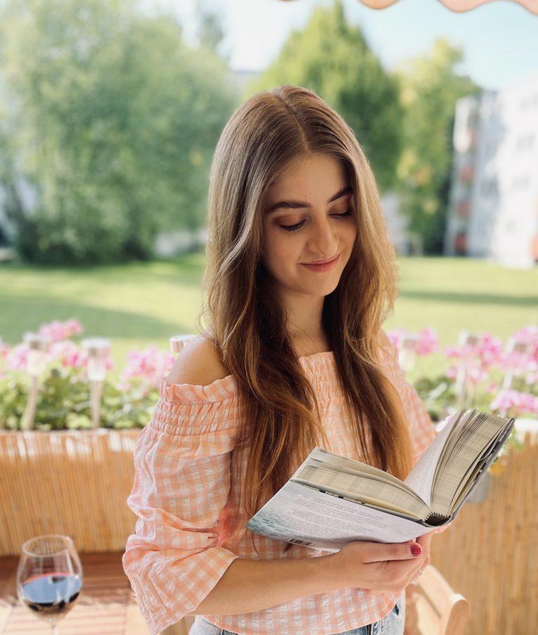 Marina Paunovic - Autorin